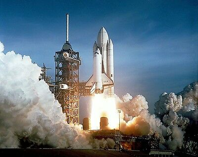 29899a6c First launch of Space Shuttle Columbia in April 1981 STS-1 Photo Print
