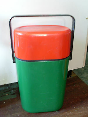 1980s INSULATED DECOR BYO 2 BOTTLE CARRIER RED & GREEN * RABBITOHS BBQ PARTY
