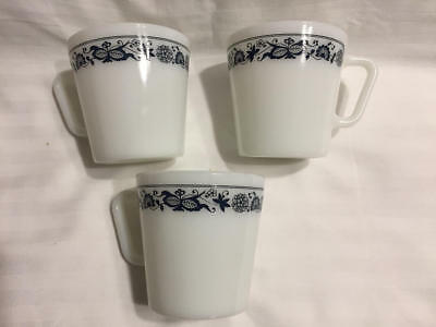 Lot of 3 Pyrex Mugs Coffee Cups D Handles #1410 OLD TOWN BLUE Vintage EUC