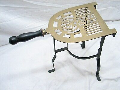 Reproduction Iron & Brass Hand Forged Sad Iron Trivet Kitchen Fireplace Stand
