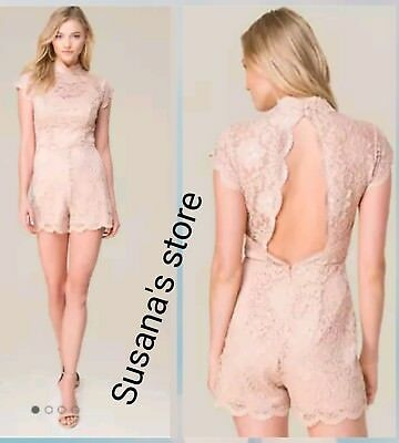 NWT BEBE Rosa Lace Romper SIZE L Cocktail-hour romper in an exquisite scallop