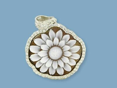 Pendant in  Cameo with  Sunflower  Silver in Sterling  and Zirconia  Artisanat