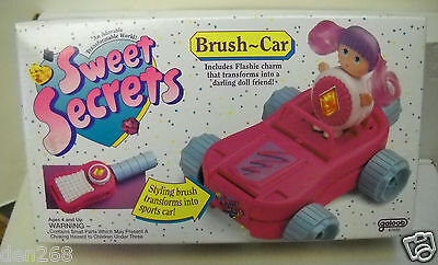 #9072 NRFB Vintage Galoob Sweet Secrets Comb - Brush Car Playset with Doll