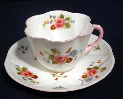 Shelley Fine Bone China Rose and Red Daisy 13425 Dainty Tea Cup and + Saucer Set