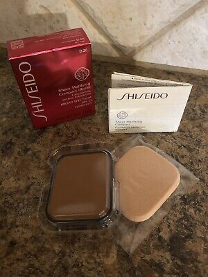 New in Box Shiseido Sheer Matifying Compact Refill SPF 21 Sunscreen D20 0.34 oz