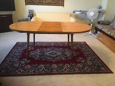 Round  Extendable Table To Seat 4-6