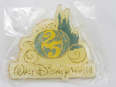 Walt Disney World 25th Anniversary Carriage Pin - Cast Exclusive -Sealed and NEW