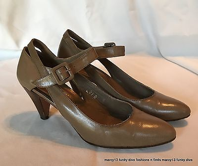 Women's Shoes Vtg Julianelli Italian Beige & Black Saddle Oxford Style Low Heel Canvas Shoes 8
