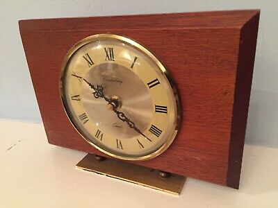 Working Vintage Retro 60/70s Wooden Framed Canterbury Mantle Quartz Clock