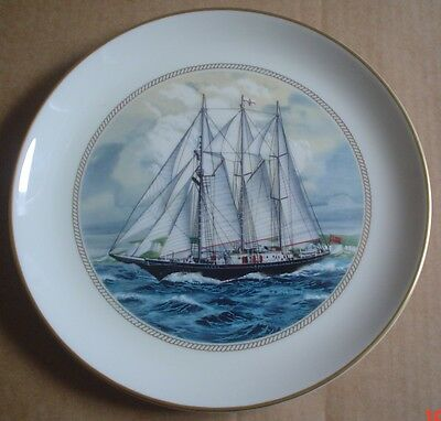The Sumner Collection Plate SIR WINSTON CHURCHILL UK - TALL SHIPS PLATE