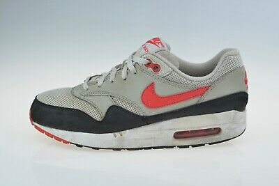 buy popular 25fb1 13a20 Nike Air Max 1 GS 555766-060 Boys Trainers Very Good Condition Uk 5.5