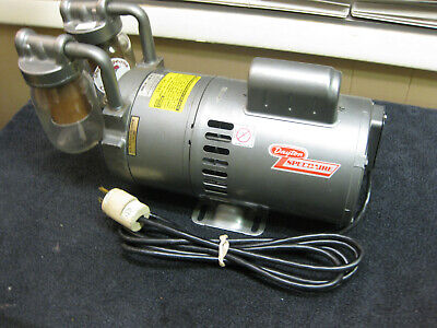 Speedaire / Dayton Oil-Less Vacuum Chuck 4Z336 1/2 Hp  115 Volt  ((Nice Shape))