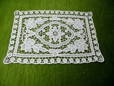 PRETTY TRAY CLOTH - WHITE - DECORATED with NEEDLELACE