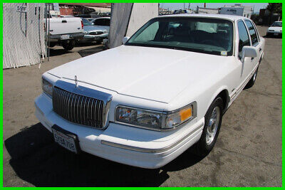 1996 Lincoln Town Car Executive 1996 Lincoln Town Car Executive 104K Low Miles Automatic 8 Cylinder NO RESERVE