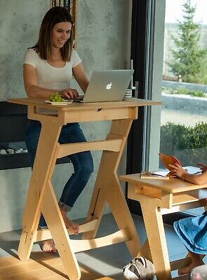 Active Desk - A Height-Adjustable Standing Desk - Manually Operated - Wooden