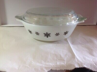 1960's JAJ PYREX Gaiety White with Black Snowflake Casserole Dish with Lid