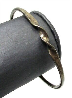 925 Sterling Silver Center Twist Thin Cuff Bracelet GRG14