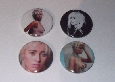WENDY JAMES TRANSVISION VAMP - 4 x BADGES * NEW * D PIN 25mm