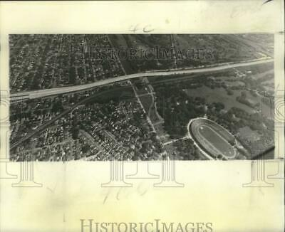 1975 Press Photo Aerial view of the Interstate-610 cutting though City Park