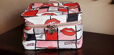66c61be212353e Soap And Glory Large Vanity Case / toiletries bag / make up bag Holiday Bag