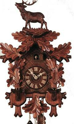 Valuable carved cuckoo clock with mechanical 8-days-movement, 3452