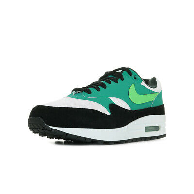 hot sale online 998fe 4a720 Chaussures Baskets Nike homme Air Max 1
