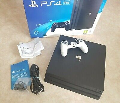 Sony PlayStation 4 Pro 1TB  inkl. Controller & OVP PS4