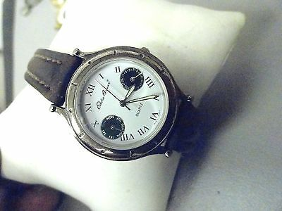 """Eddie Bauer ladies Chrono Day Date very nice condition 7 1/2"""" leather band A++"""