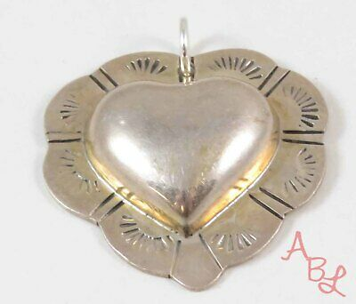 Sterling Silver Vintage 925 Large Etched Heart Mexican Pendant (6.9g) - 753979