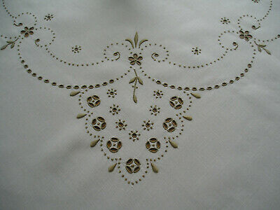 Gorgeous Vintage Linen Tablecloth ~ Madeira Hand Embroidery & Cutwork ~ Unused