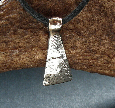 BEAUTIFUL GENUINE ANCIENT VIKING BRONZE DECORATED AXE AMULET - wearable