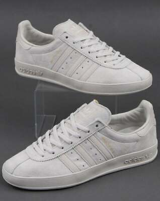 adidas Broomfield Trainers in Raw White & Clear Brown - suede terrace classic