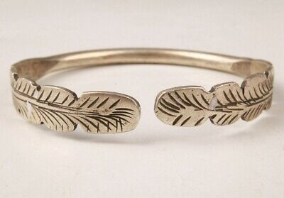 Rare Chinese Tibetan Silver Hand Carving Buddhist Leaf Bracelet Gift Collection