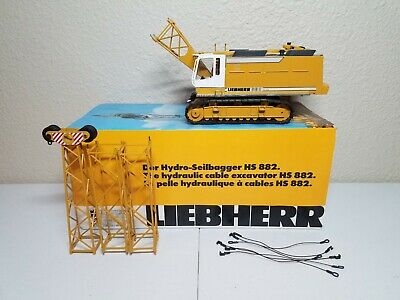 LIEBHERR HS882 CRAWLER Crane by Conrad 1:50 Scale Diecast Model #2831/01  New!