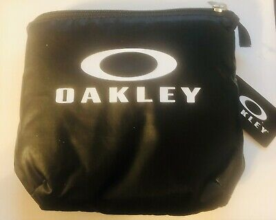 New Oakley Black Packable Golf Duffel Bag Carry On Expandable Nylon Travel Gym