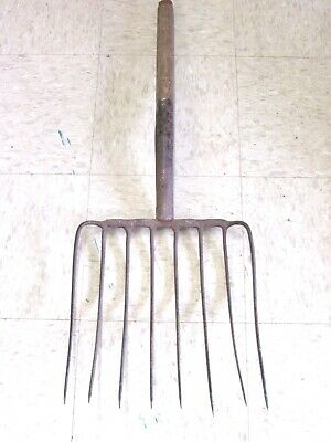 Antique Rustic Farmhouse Primitive 8-Tine Pitch Fork, Repurpose / Decoration