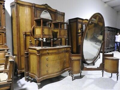 Antique Bedroom Furniture Walnut Style Louis XV with Pettineuse Bronze Gold