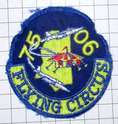 USAF MILITARY PATCH AIR FORCE sm SQUARE HOOK LOOP PILOT TRAINING CLASS 75-06