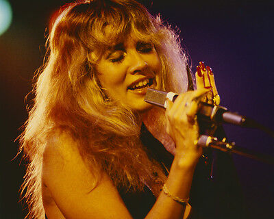Stevie Nicks Beautiful Pose Singing In Concert 1970's 8X10 Photo