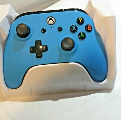 Microsoft Xbox One Wired Controller - Solid Blue power A nice