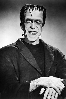 The Munsters Fred Gwynne 24X36 Poster Smiling Seated
