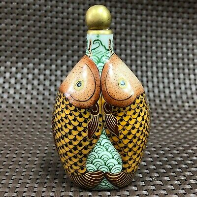 Chinese Antique Rare Old Porcelain Handwork Double Fish Collectible Snuff Bottle