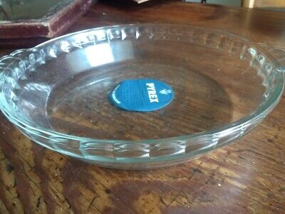 Vintage UNUSED JAJ Pyrex ROUND CLEAR GLASS FLUTED PIE DISH with LABEL!