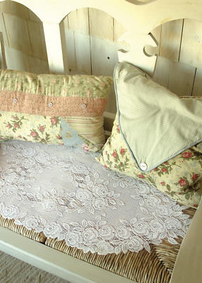 "Heritage Lace WHITE TEA ROSE Table Runner 14"" x 48"""