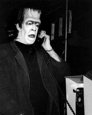 The Munsters Fred Gwynne Vintage telephone booth as Herman 8x10 Photo
