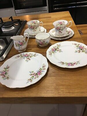 Royal Albert Moss Rose Part Teaset