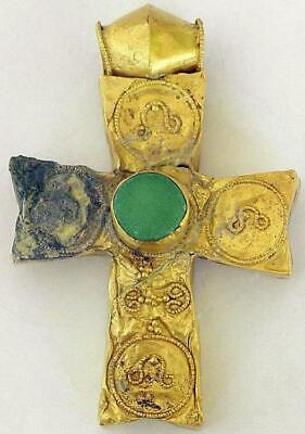 Byzantine empire, 5th - 6th century: extremely rare and authentic gold cross!