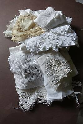Bundle 20 items of vintage white linen with lace and/or whitework embroidery.