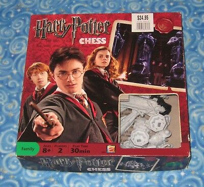 Complete Harry Potter Wizard Chess Game Mattel 2009 with Box Excellent USA