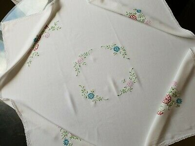 Vintage White Square Delicate Hand Embroided Tablecloth ==Daisy Flowers